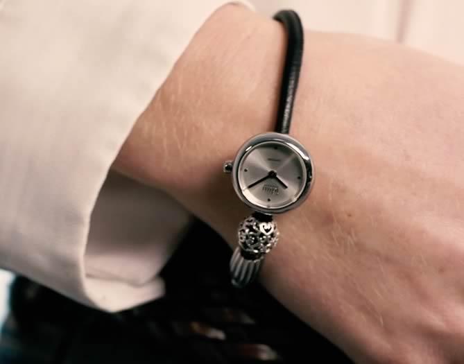 Idun Denmark Rocking Charm Watch auf Lederarmband